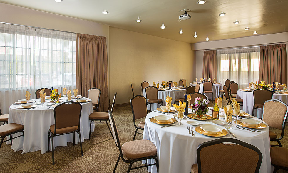 Anabelle Studio-B-Banquet Style
